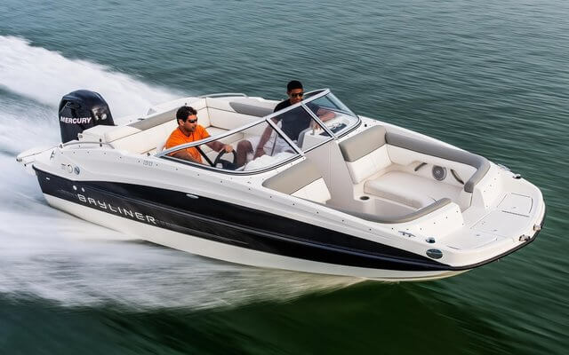 סירת דייג ספורטיבית Bayliner-215 Deck Boat