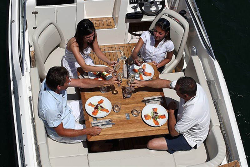 סירת ספורט QUICKSILVER – ACTIV 645 Cabin
